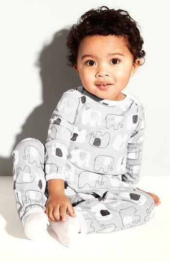 Gray   white for baby: A chic gender neutral palette