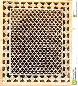 Fenster Lüftungsschlitze Abdeckung : bienenwabe kopierte fenster abdeckung stockfoto bild ~ Michelbontemps.com Haus und Dekorationen