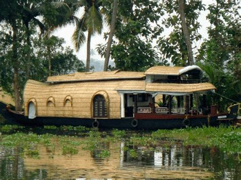 Boat House In Kerala Rent by Kerala Backwaters Houseboat Trip The Complete Travel Guide