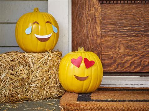 diy pumpkins how to make an emoji pumpkin how tos diy