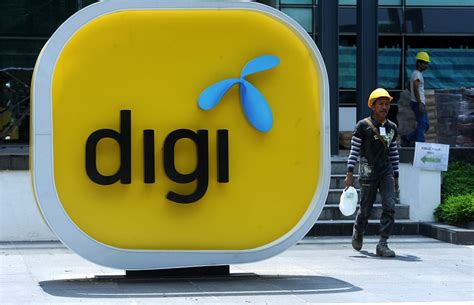 Pay For Assignments Malaysia by Maxis Celcom And Digi To Pay Rm2 4b Combined For Spectrum