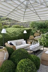 sitzecke im garten relax im grunen archzinenet With feuerstelle garten mit gartenmöbel für kleinen balkon rattan