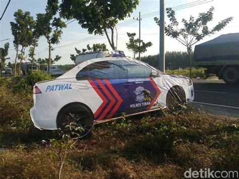 polisi sempat bolak balik bongkar mobil patroli cari sudut