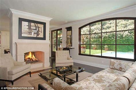 Kim K Home Decor : Kim-kardashian-beverly-hills-home-living-room-2