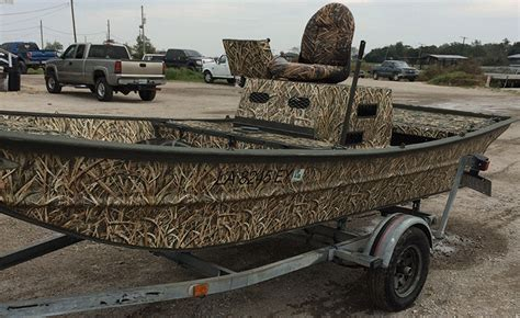 Camo Boat by How To Camo A Boat In 7 Steps With Mossy Oak Graphics