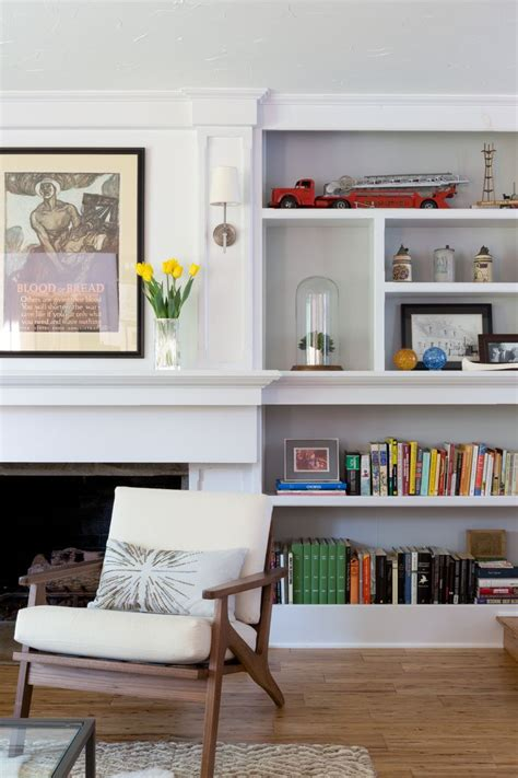 fireplace bookshelf 25 best ideas about fireplace bookcase on
