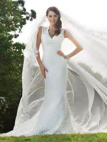 popular wedding dress designers lace wedding dress with keyhole back