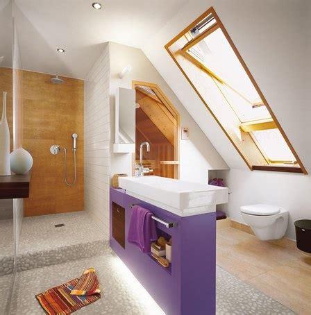 Kleines Badezimmer In Dachschräge by Kleine B 228 Der Dachschr 228 Ge