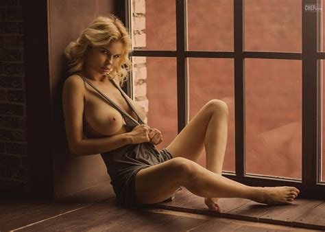 Wonderful Blonde Model Julia Logacheva Nude Photo Pandesia World