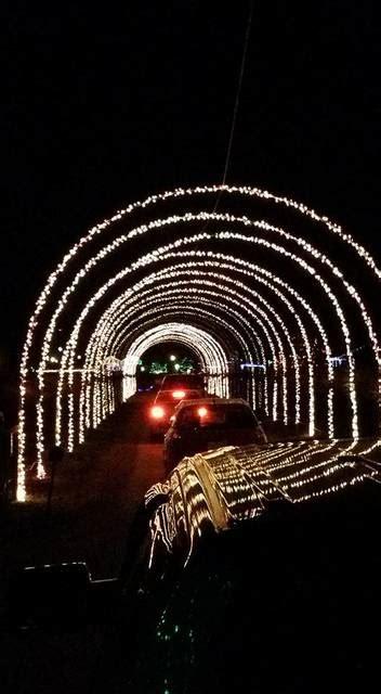 lu mil christmas lights bladen journal lu mil vineyard s christmas light show