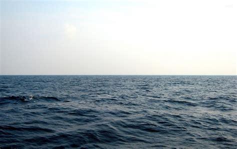 nice deep blue ocean waves wallpapers nice deep blue