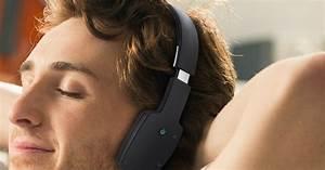 Un casque audio sans fil et Bluetooth pour écouter