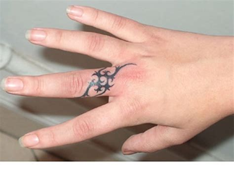 astonishing finger tattoo designs
