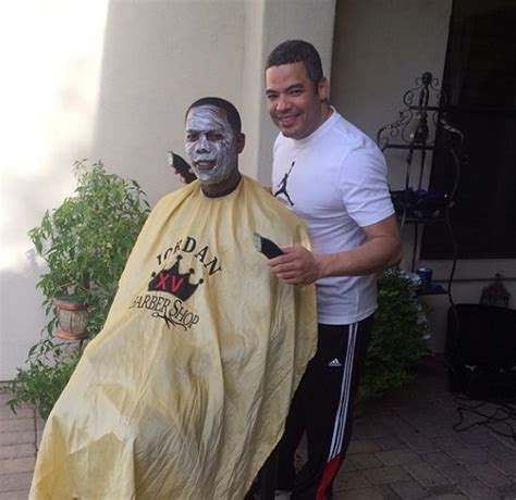 aroldis chapman pokes fun  sammy sosas white face