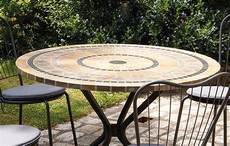 table chaises jardin awesome table et chaise de jardin mosaique pictures
