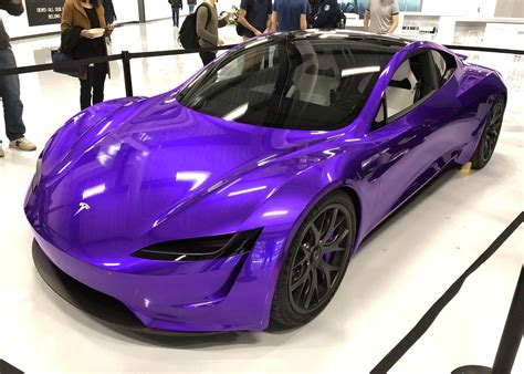 Tesla to launch 'special colors' for the new Roadster ...