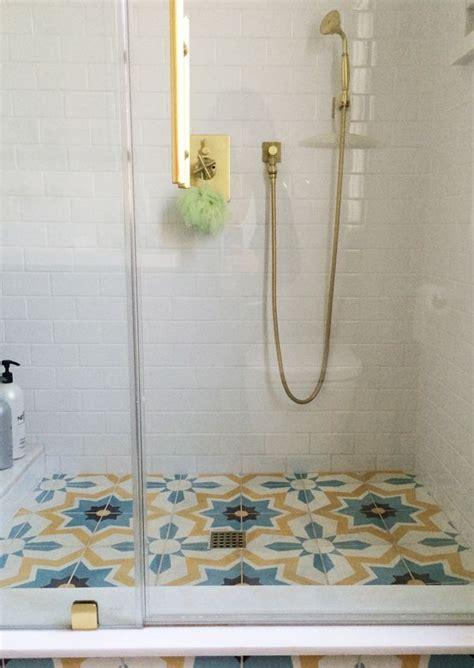 Tiling A Bathroom Floor On Concrete by Best 20 Cement Tiles Bathroom Ideas On