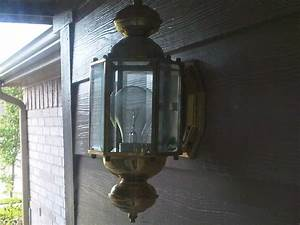 Changing outdoor light fixture the bulb