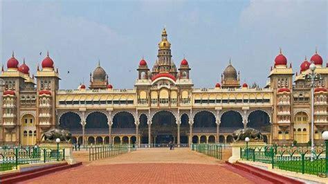 10 Istana Kerajaan Paling Megah di Dunia yang Sangat