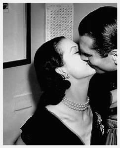 Vivien Leigh images Vivien & Larry_Kiss wallpaper and ...