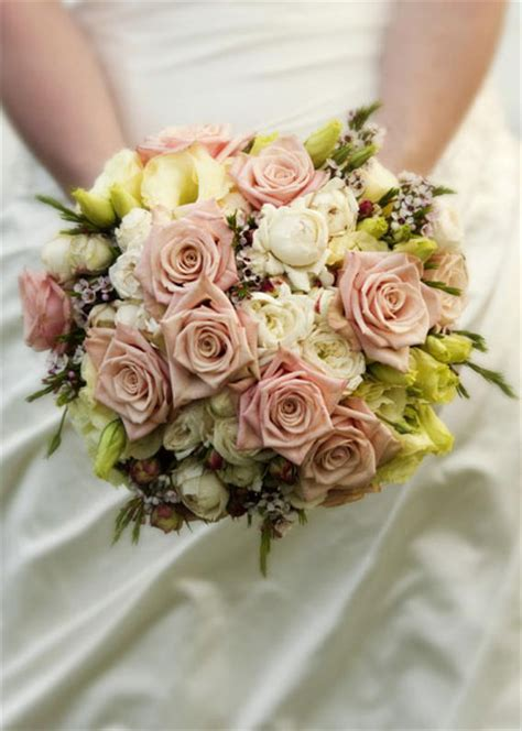 Premium Flowers Wedding Themes Vintage Bridal Bouquets