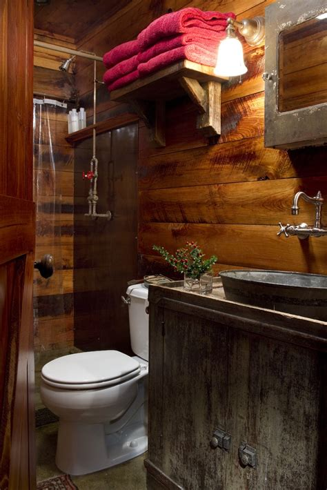 Rustic Cabin Bathrooms by 25 Best Ideas About Cabin Bathrooms On