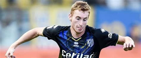 Born 25 april 2000) is a swedish professional footballer who plays as a winger or midfielder for serie a club juventus and the sweden national team. Une offre de 15 M€ pour Dejan Kulusevski (Parme / Atalanta) ? - Mercato 365