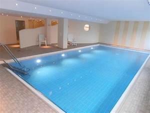 Haus Mit Schwimmbad : modernes appartement mit schwimmbad haus nordland 1006466 ferienwohnung westerland ~ Frokenaadalensverden.com Haus und Dekorationen