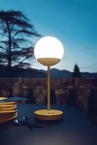 Led Lampe Ohne Kabel : mooon led h 41 cm mit usb ladekabel fermob lampe ohne kabel ~ Bigdaddyawards.com Haus und Dekorationen