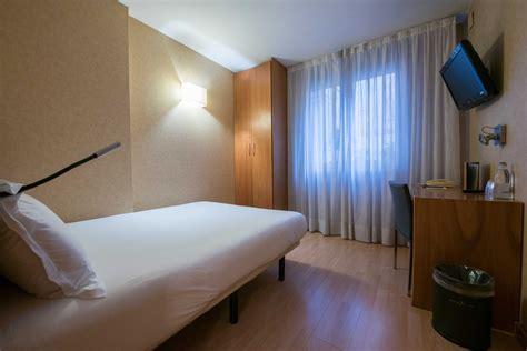 hotel barcelone dans chambre chambres de l 39 hôtel silken st gervasi hôtel 3 barcelone