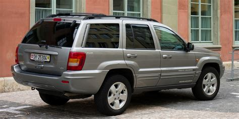 back of a jeep file jeep grand cherokee rear jpg wikimedia commons