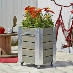 Jardiniere Sur Roulette : d coration pour le jardin terrasse sticker brise vue coussin ~ Farleysfitness.com Idées de Décoration