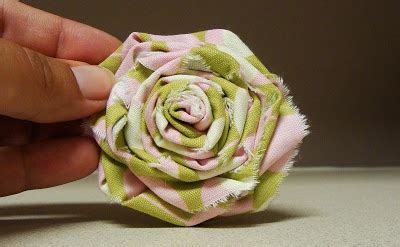 shabby fabric flower tutorial create and delegate tutorial shabby fabric roses fabulous fabric flowers pinterest rose
