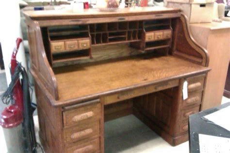 roll top desk used i have a roll top desk the used furniture store i got it