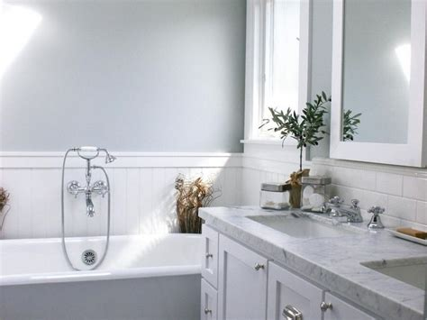 25+ Best Ideas About Wainscoting Bathroom On Pinterest