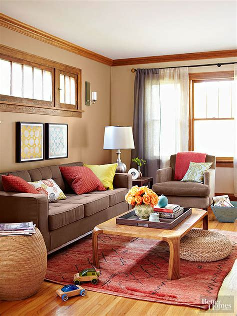 what color paint goes with brown and tan furniture what colors go with brown