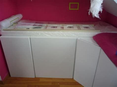 lit mezzanine bureau un lit enfant avec du rangement à base de meubles de