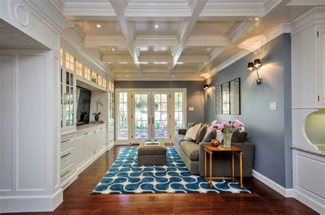 How to furnish and love a long narrow living room in 5