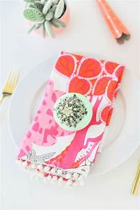 DIY Pom Pom Dinner Napkins Dinner napkins, Napkins and Craft