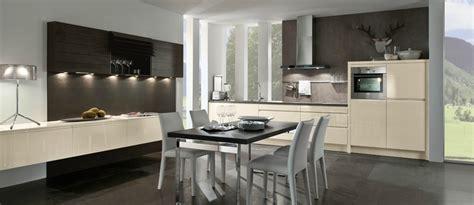 meuble de cuisine allemande cuisine moderne allemande magnolia lustre photo 8 20 avec meubles bas flottants