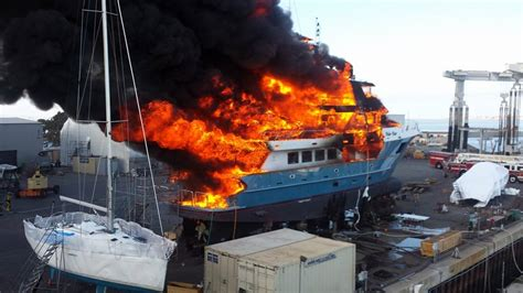 Fire Boat San Diego by Fire Destroys 102 Foot Yacht At South Bay Dry Dock Fox5