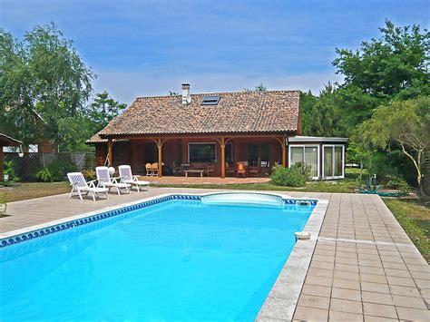 chalet avec piscine privee 28 images chalet avec piscine priv 233 e sur le mazarr 243 n