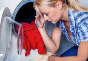 Geruch In Der Waschmaschine : die waschmaschine stinkt so wird 39 s gel st ~ Markanthonyermac.com Haus und Dekorationen