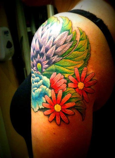 Upper Arm Flower Tattoo | Tattoos I like | Pinterest ...