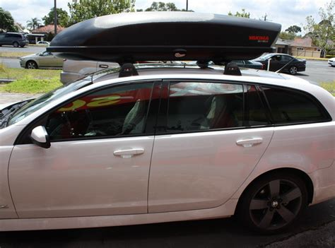 Holdencommodorevewagon Roof Rack, Cross Bar,yakima