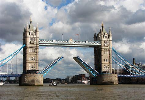 Tower Bridge Picture by File Tower Bridge Getting Opened 5 Jpg Wikimedia
