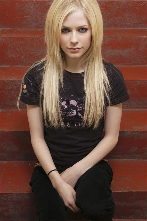Female Singers Avril Lavigne Pictures Gallery 6