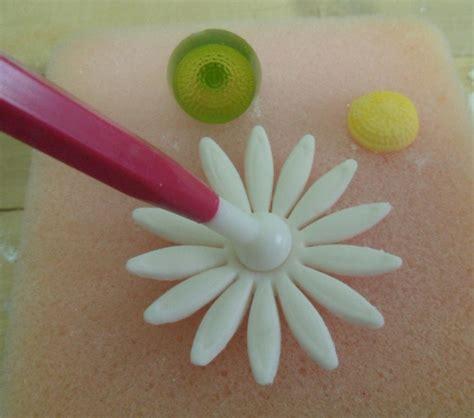 come fare fiori in pasta di zucchero tutorial fiore pasta di zucchero parte1 fiori in pasta di