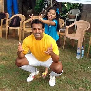 Paes denies allegations by Rhea; gets support from ...