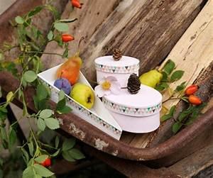 Basteln Mit Glitzer : naturdosen mit glitzer basteln famigros ~ Lizthompson.info Haus und Dekorationen